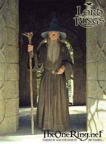 discussion of Gandalf\'s costume and how to go about creating it ...