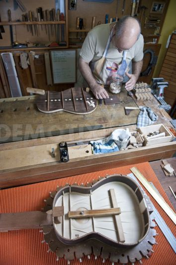 Master Luthier The process of making a Spanish classic guitar