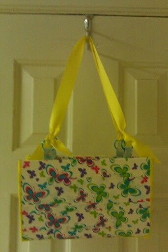 BUTTERFLIES FOR SUMMER IN THIS PURSE