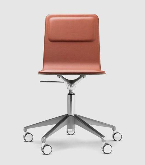 As Minimal As Possible Chaise De Bureau Laia Chaise Design Chaise Chaise Bureau