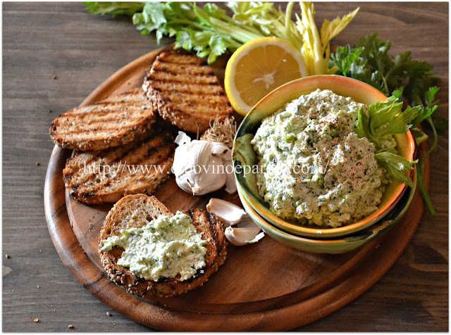 Ricotta & garlic spread