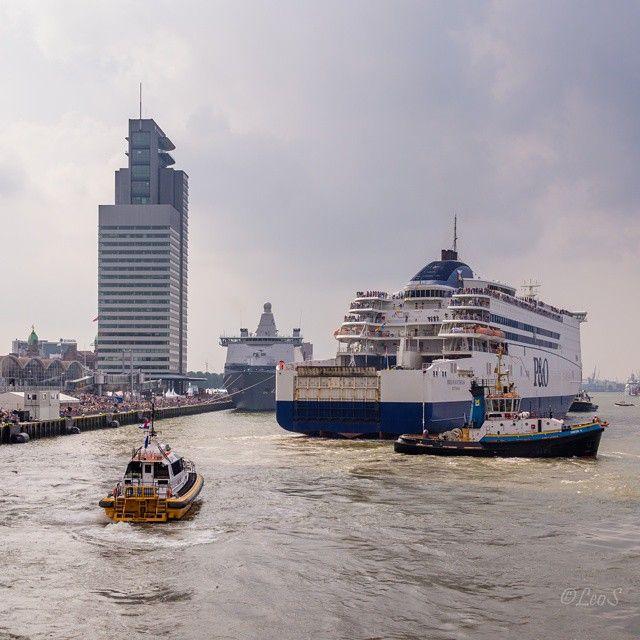 """@leopixels's photo: """"#nlrtm #haven naar de stad, gezellige drukte tijdens #wereldhavendagen #rotterdam"""""""