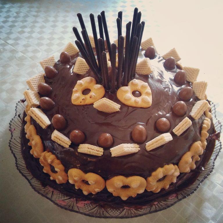 Come si prepara la torta di compleanno al cioccolato e ...