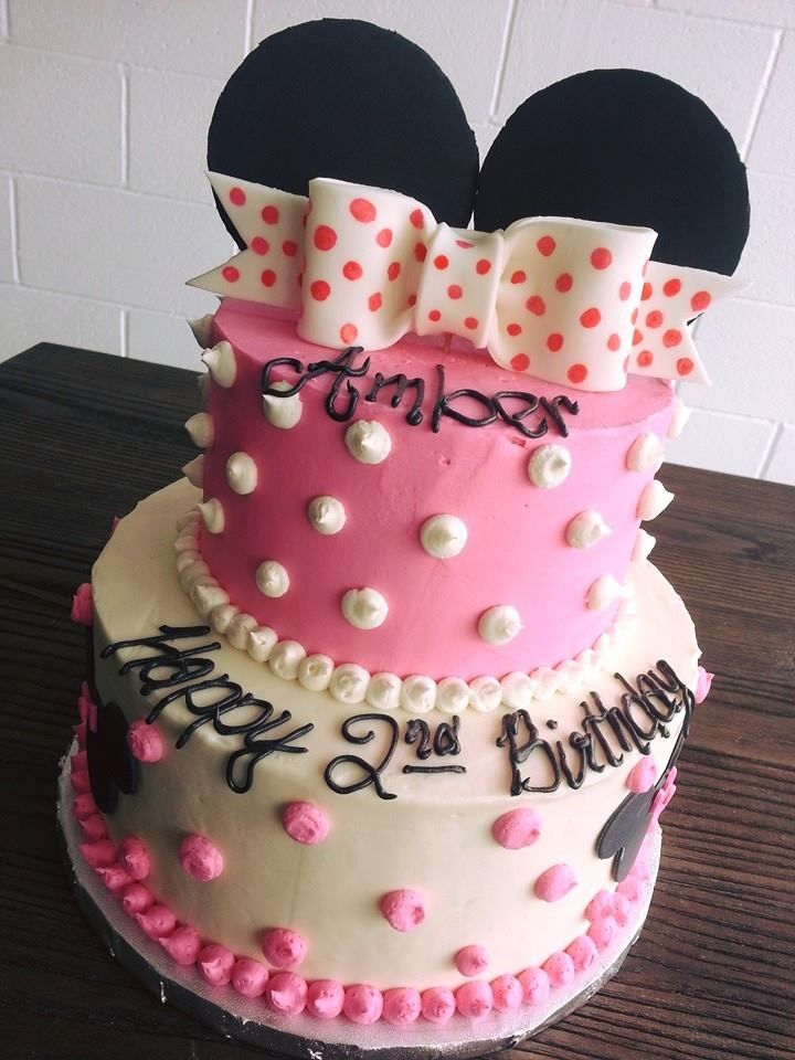 Minnie mouse cake birthday girl bows polka dots and