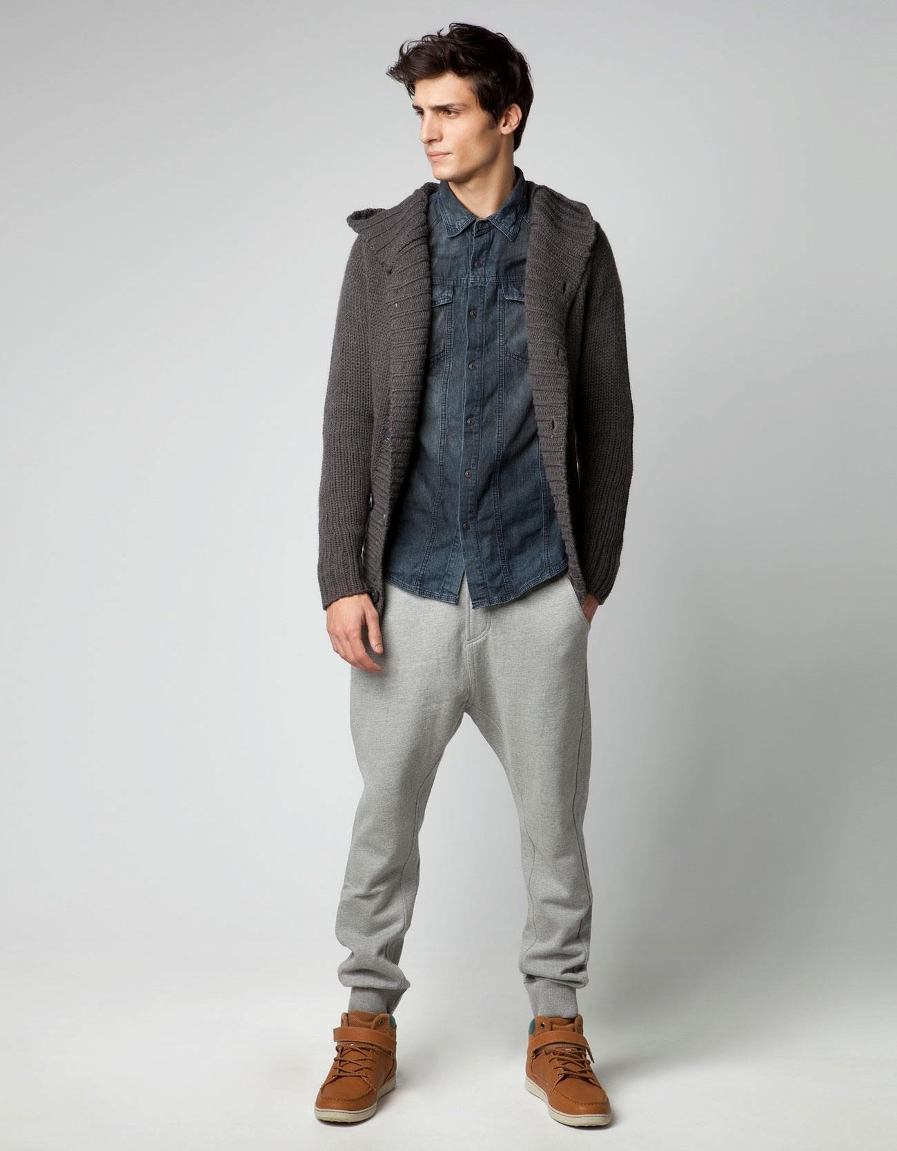 c89954ab0b7 conjunto para hombres en colores grises   Cosas para ponerse   Moda ...