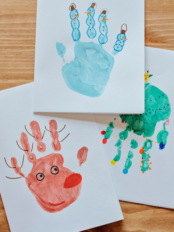 Cartes de no l empreintes de mains empreintes de main cartes de no l et mains - Peinture main enfant ...