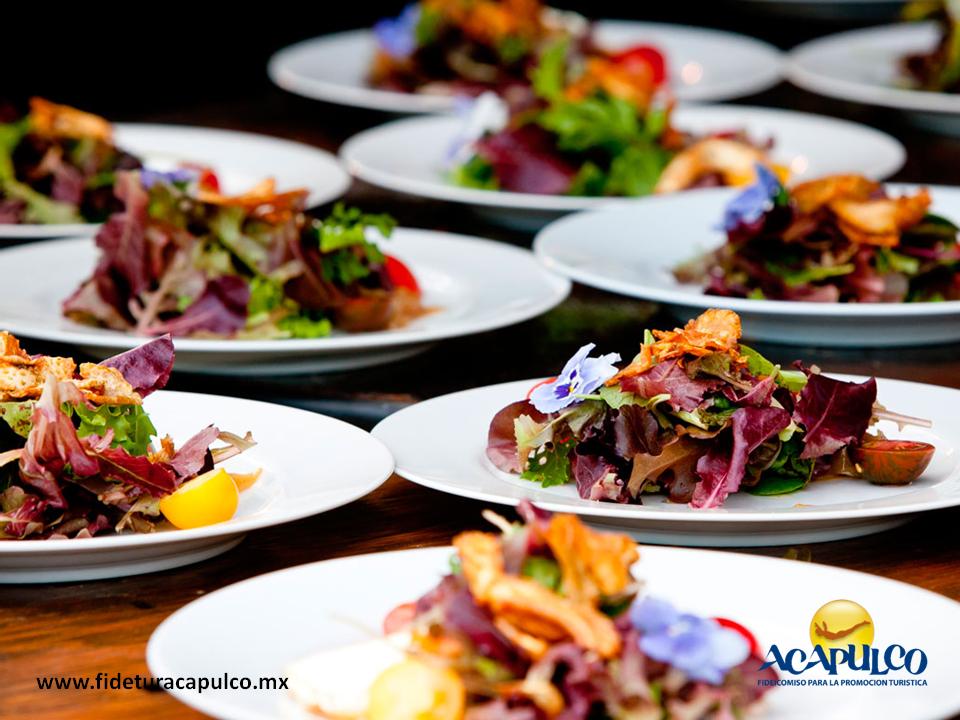 Bodaenacapulco banquetes olgu n de ofrece comida for Comida rapida para invitados