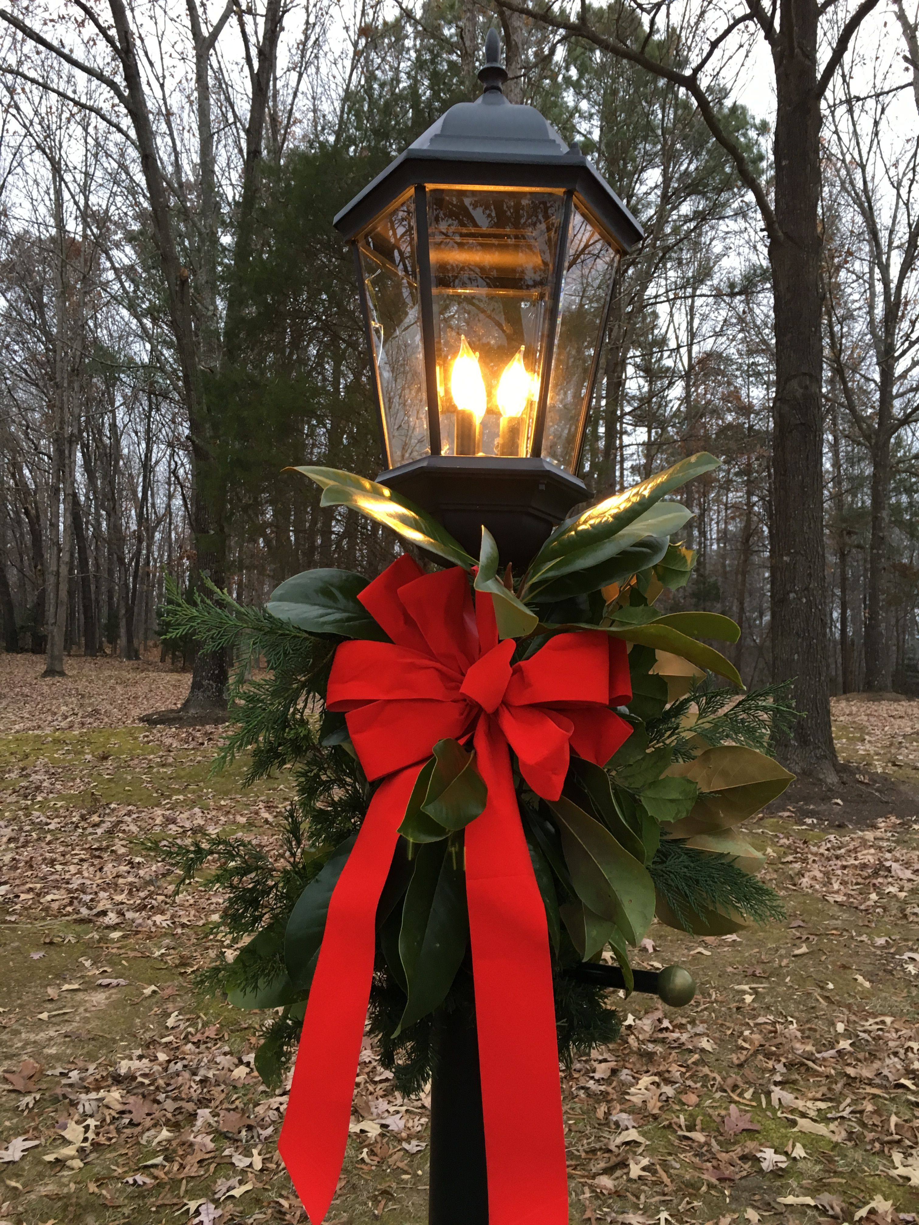 Outdoor Christmas Lamp Posts.Pin By Temple Joyce On Lamp Posts Christmas Lamp Post