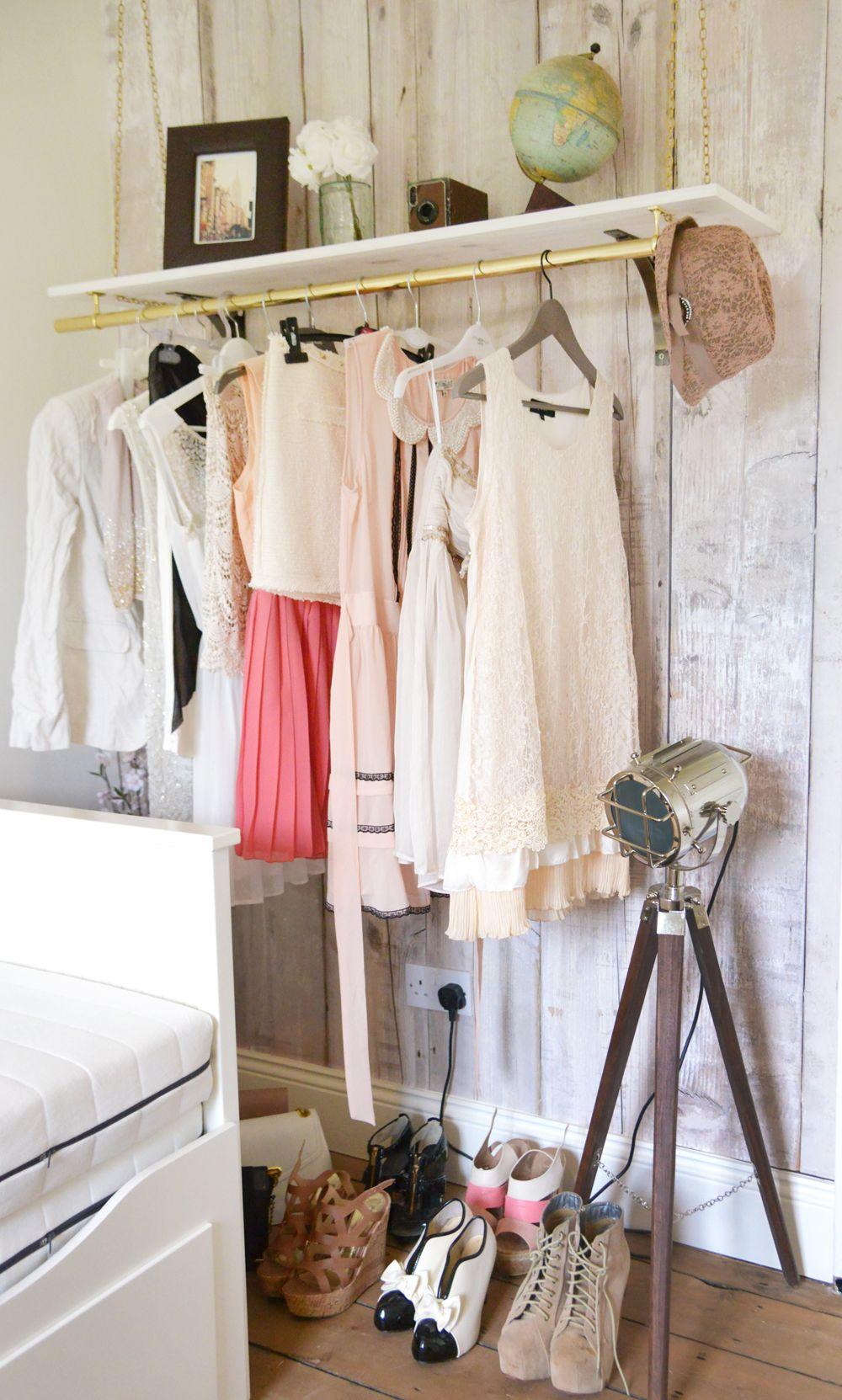 Hanging Clothes Rail Fauxwoodwallpaper Vintageglobe
