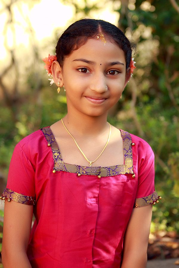 002 Simple Indian Girl in her Traditional Dress Indian girls