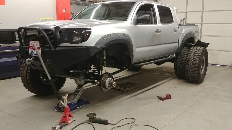Meet The BADTACO - A SAS Second Gen With A HP Dana 44 And A