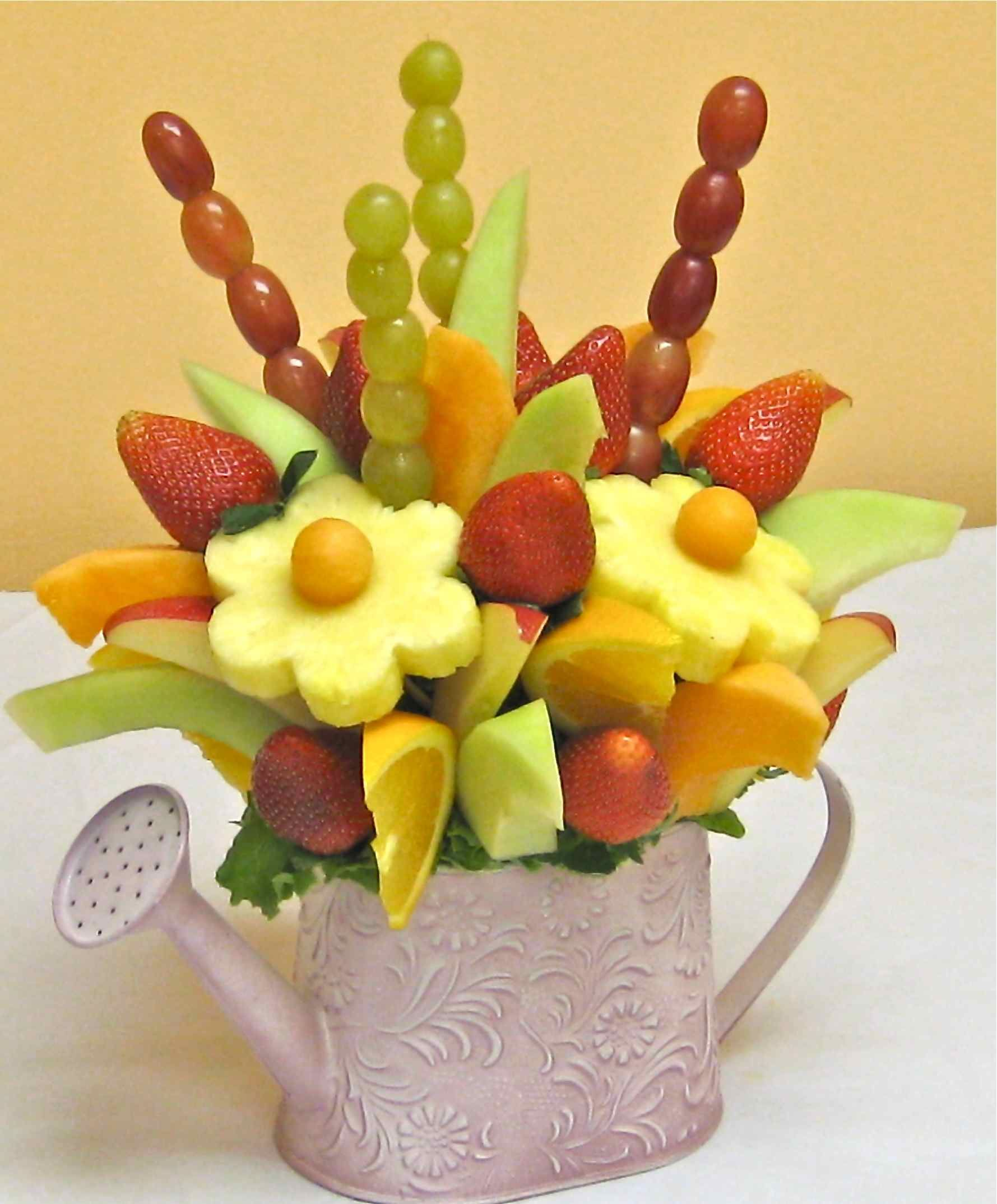 how to make a do it yourself edible fruit arrangement!! | party