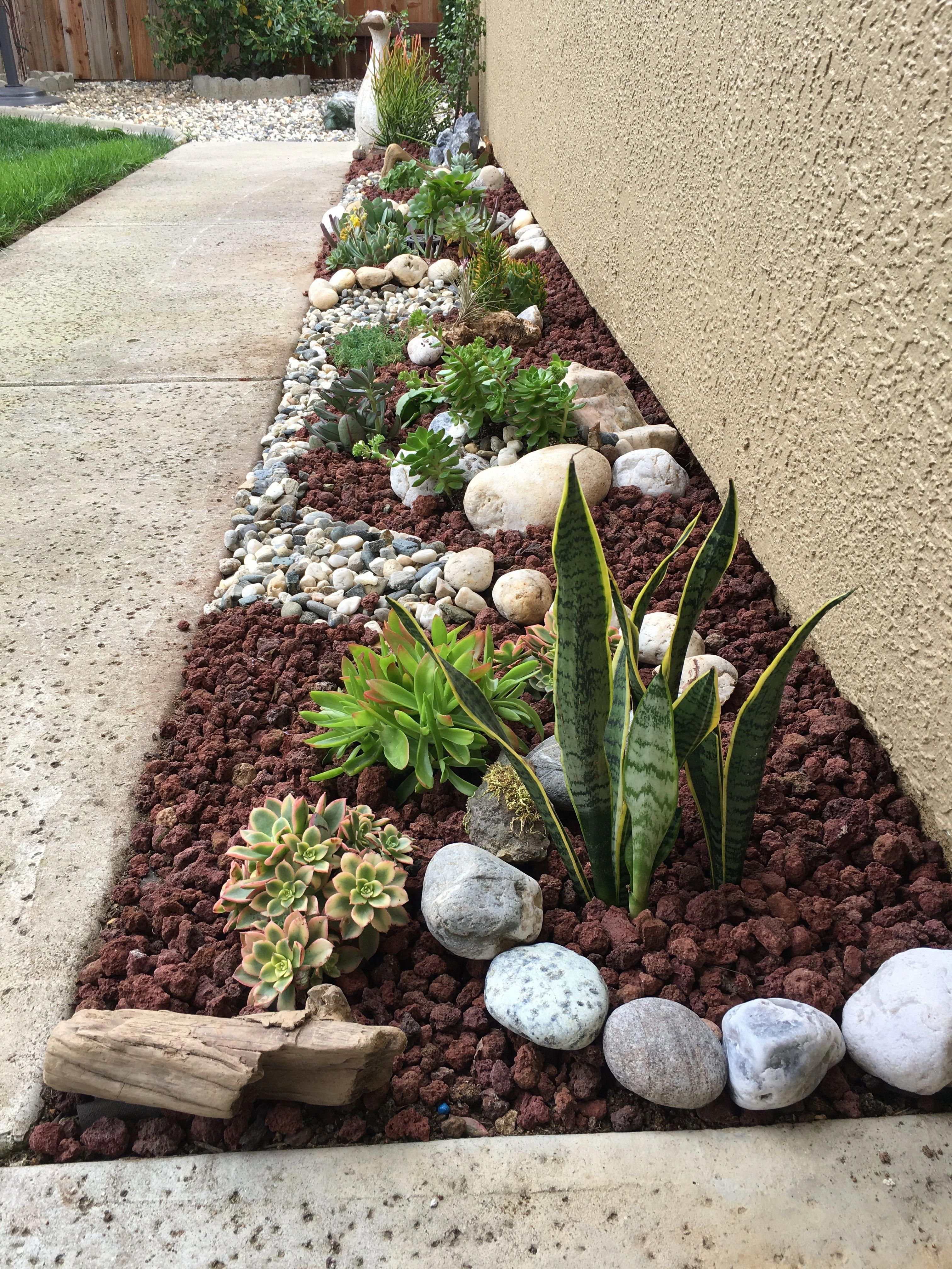 I D Love This Same Landscaping Going Up The Garage Side Of Our Front Walkway Rock Garden Design Backyard Landscaping Designs Garden Yard Ideas