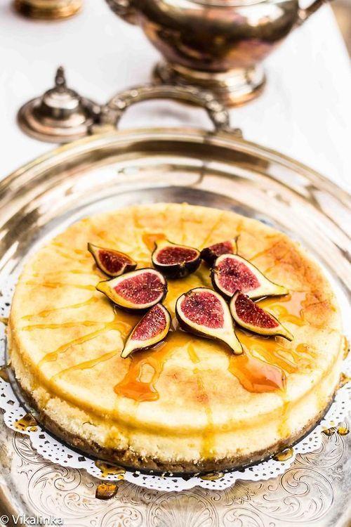 Lemon Scented Vanilla Cheesecake with Fresh Figs and Honey