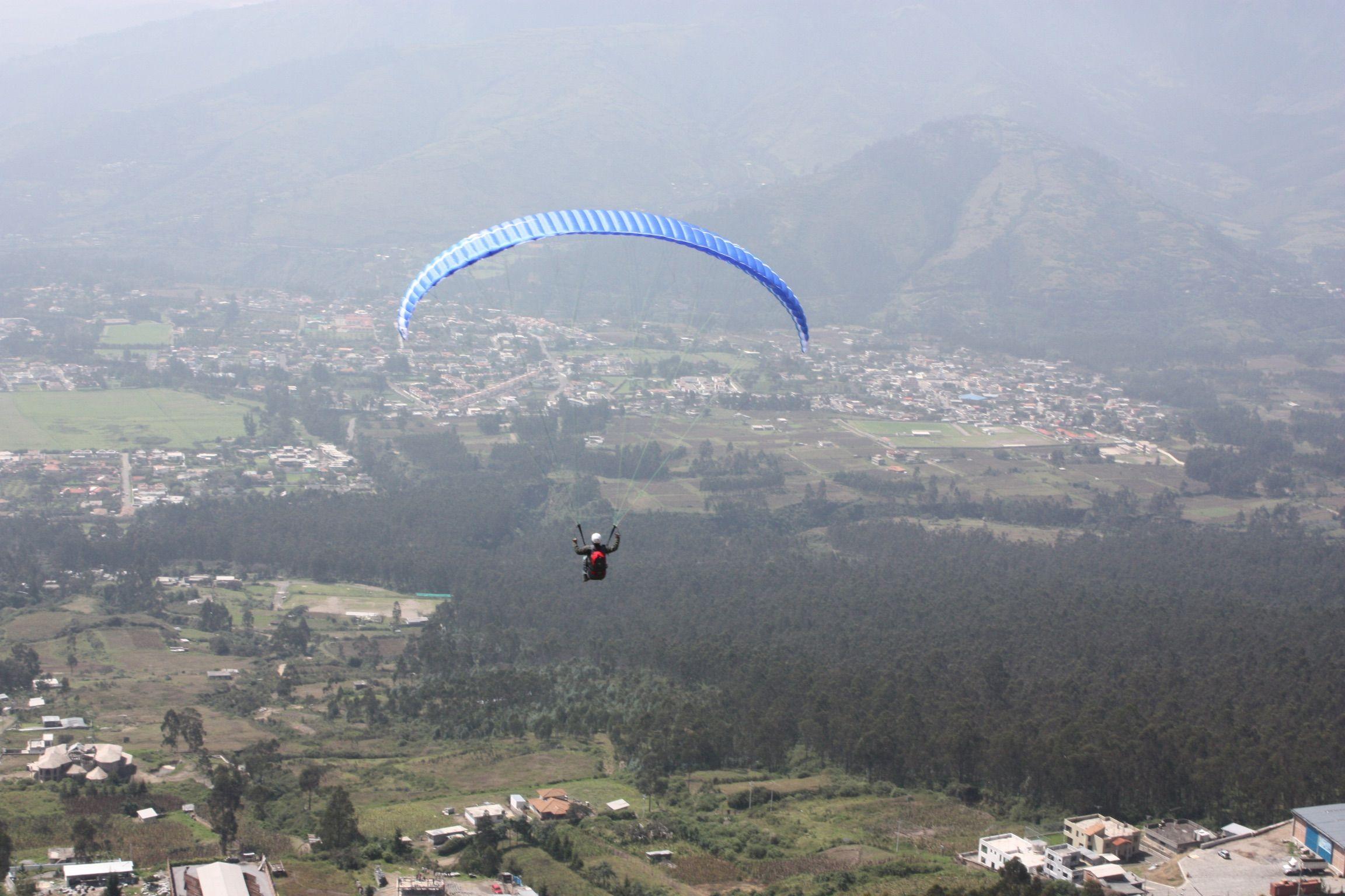 Parapente Cursos Quito Ecuador  Puedes aprender a volar parapente en nuestra escuela con instructores certificados y con experiencias