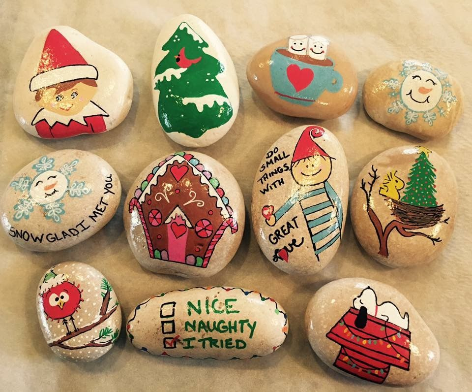 Christmas Rock.Fun Holiday Painted Rocks Nature Crafts Christmas Rock