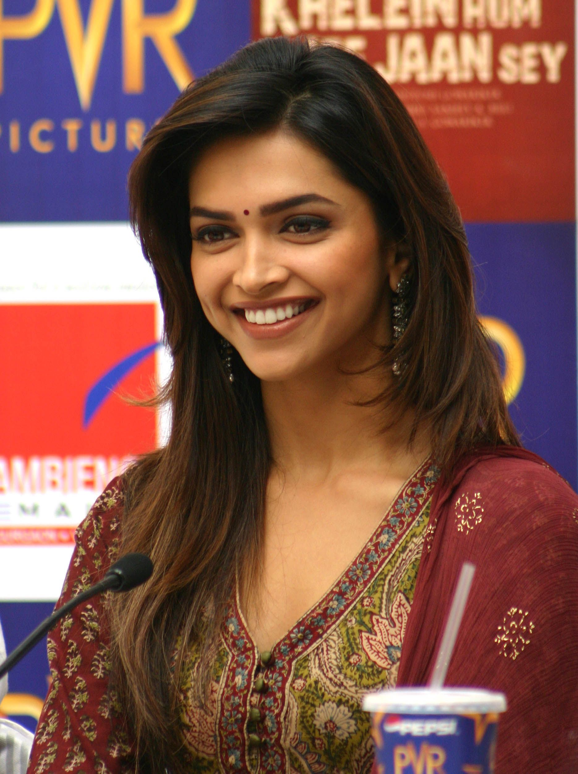 Deepika Padukone (With images) | Bollywood actress ...