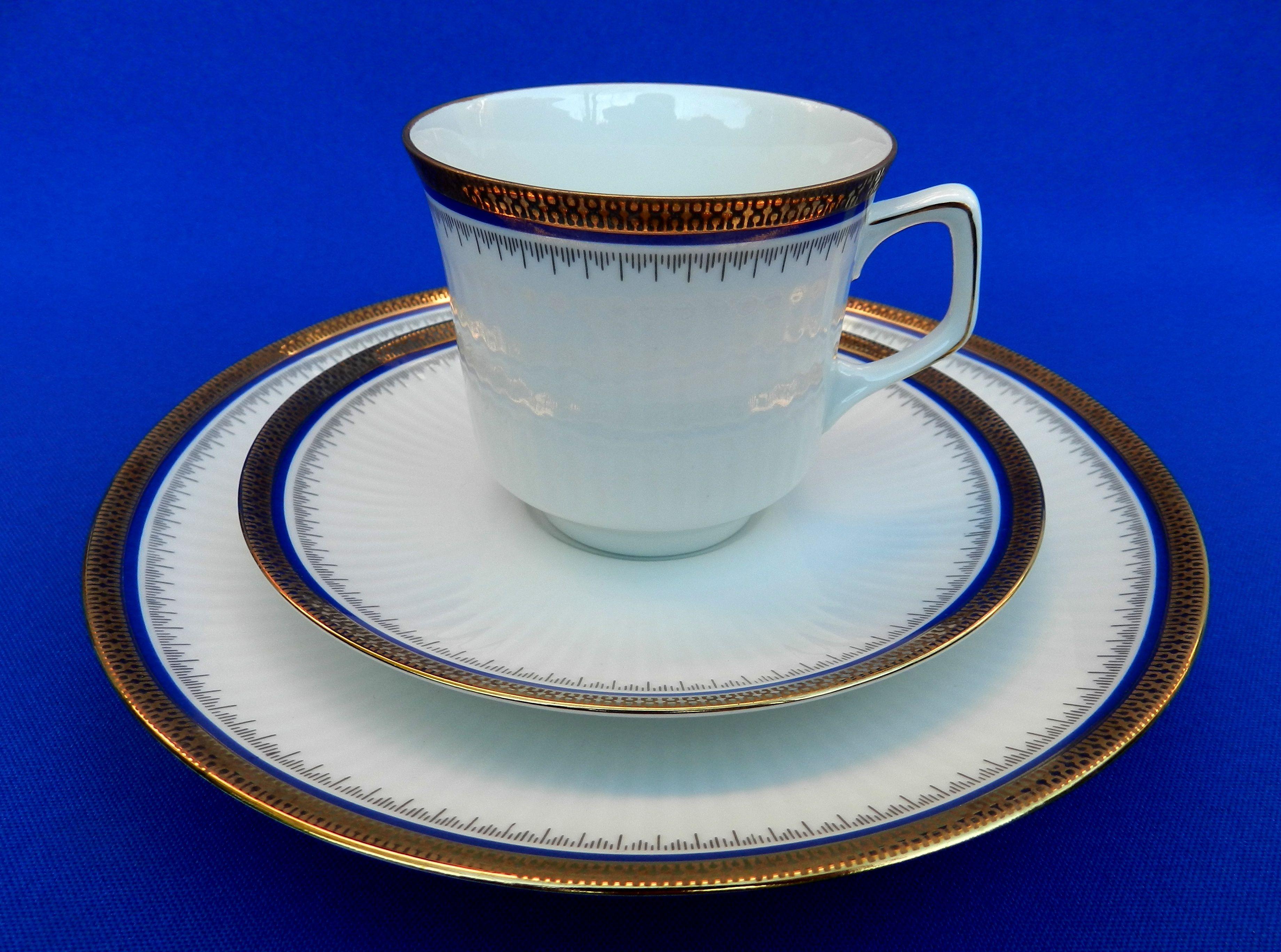 *JAHRE BAREUTHER WALDSASSEN BAVARIA* *Trío para Té en Porcelana Alemana* & JAHRE BAREUTHER WALDSASSEN BAVARIA* *Trío para Té en Porcelana ...