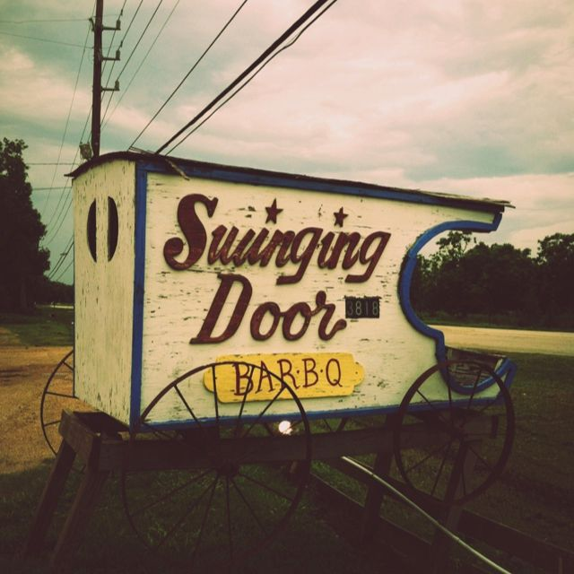 swinging-door-bbq