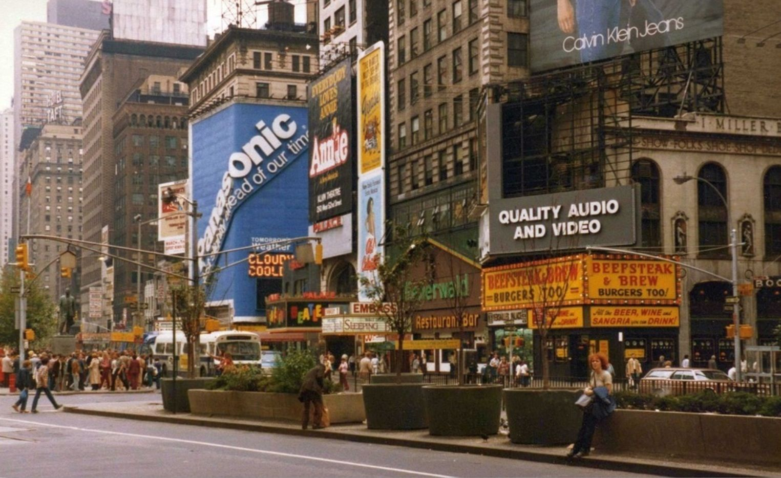 Broadway Marquee Beatlemania After Move To Palace Theatre Movie Marquee Urban History Broadway
