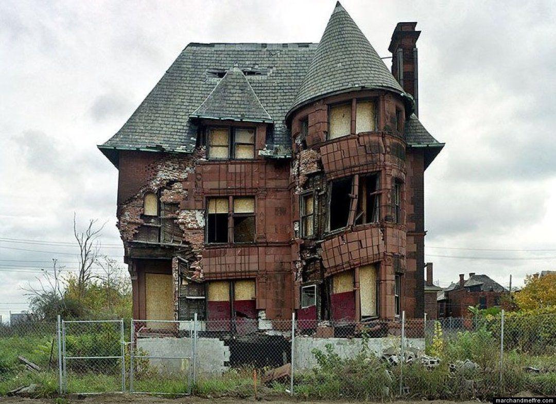 http://2.bp.blogspot.com/-sDAl3RG-J-0/Thsjb9Ik-rI/AAAAAAAAAiI/q4wPXWf7c_Y/s1600/detroit-house-collapsing.jpg