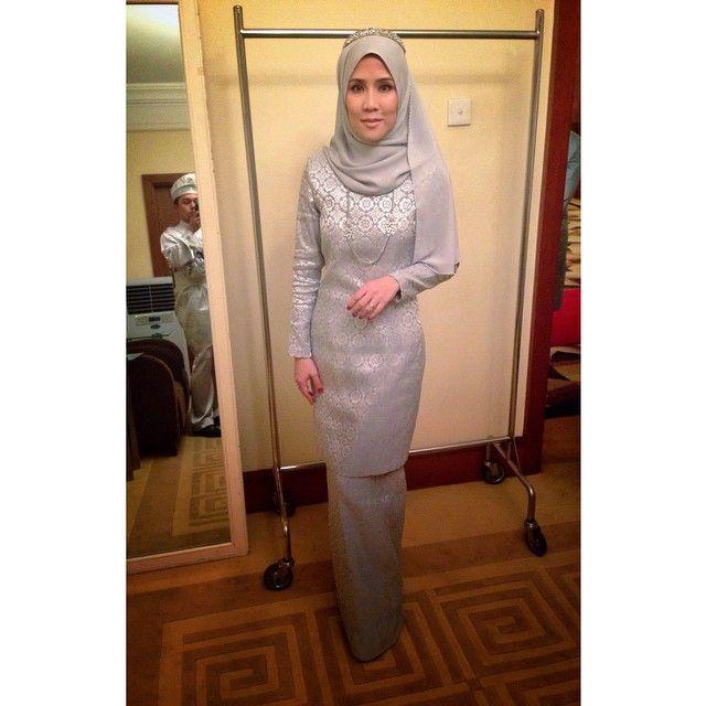 Kurung Moden Songket Nikah Grey Pengantin Wanita Baju Pengantin