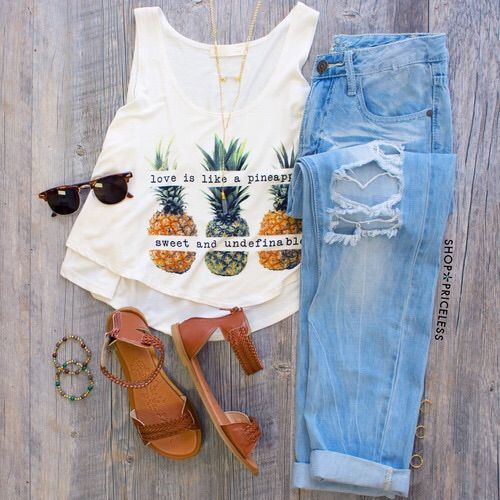 865c9285104 Image via We Heart It  clothes  fashion  girls  indie  outfits ...