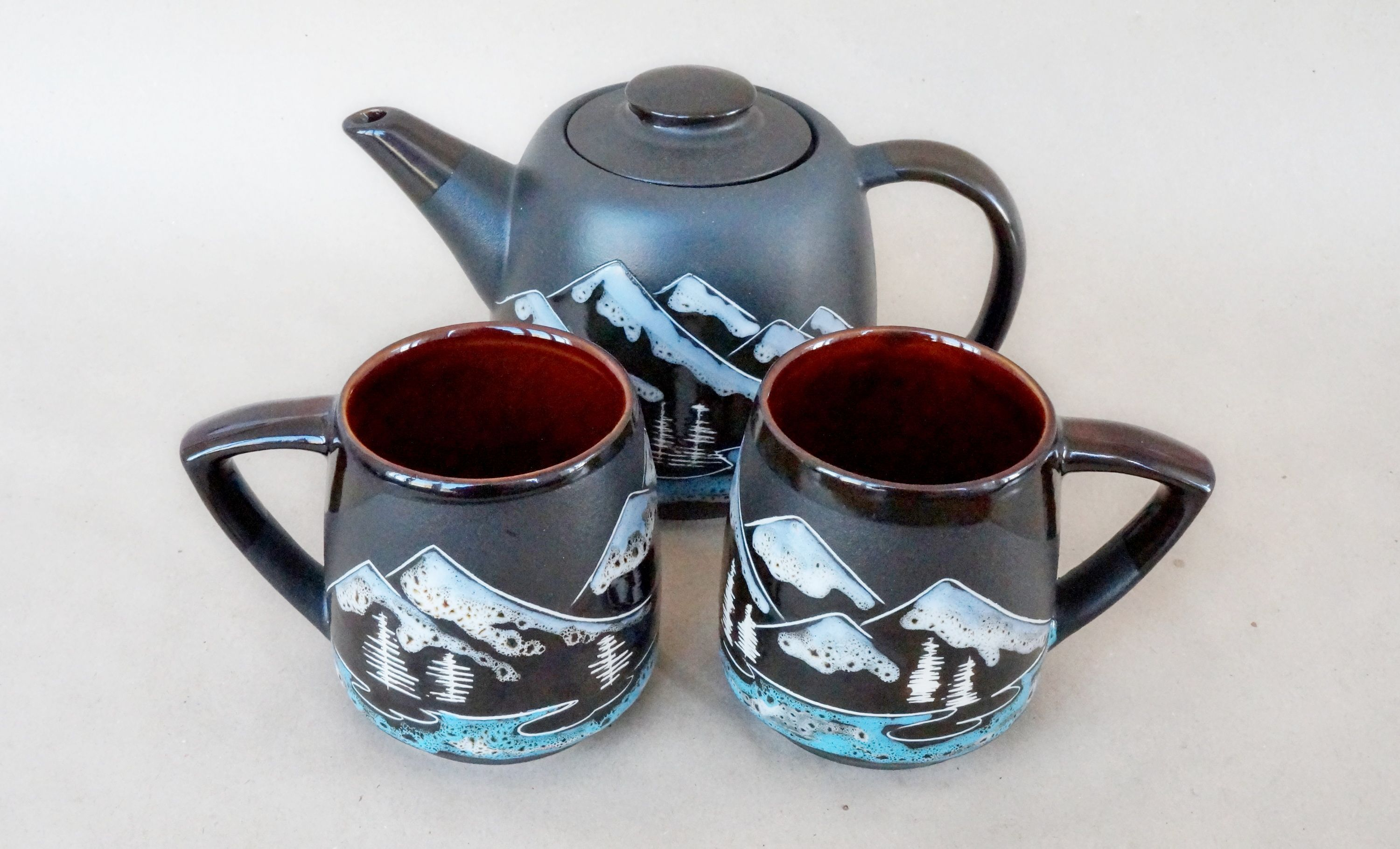 Mountain tea set ceramic #ceramicteapots Mountain ceramic tea set handpainted teapot and two mug ceramic 14oz #mountains #teapot #mugceramic #tealovergift