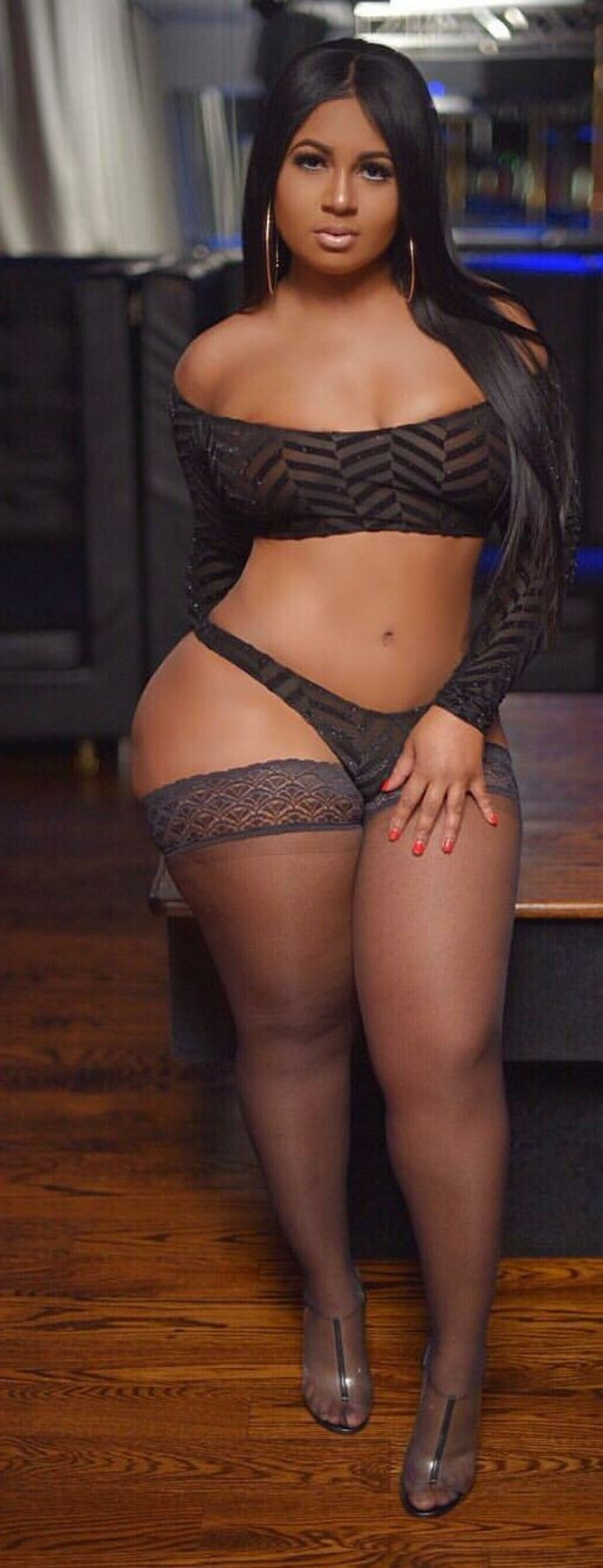 beautiful thick latina bbw with thick thighs & legs | bela