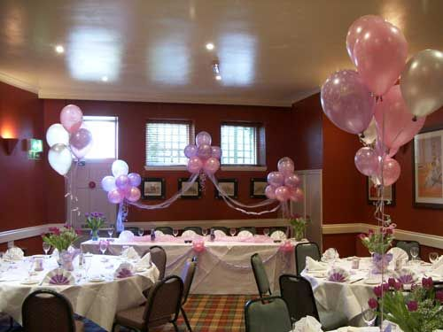 Decorar mesa para primera comuni n communion celebrations and craft - Adornar mesas de comunion ...