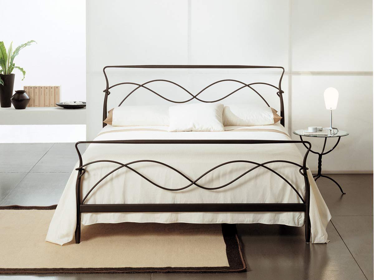 Maggioni Metallbett Nuvola   Bedroom   Pinterest   Hotelzimmer