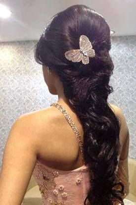 Decided The Best Hairstyle For Your Wedding Get To Know Classic Buns Braids Or Open Curls Narrow Down Perfect Indian Bridal From These