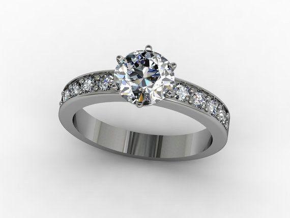 Esta sortija de plata sterling con circonio cúbico: | 32 Anillos de compromiso asombrosos que no tienen nigún diamante