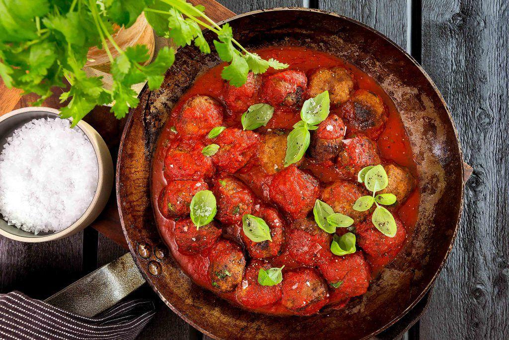 kryddiga köttbullar i tomatsås