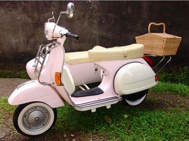 Baby pink Vespa with sidecar! | V is for Vespa | Vespa