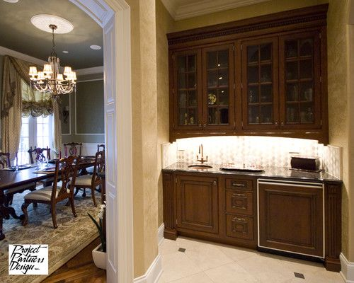 Wet Bar Between Kitchen And Dining Room