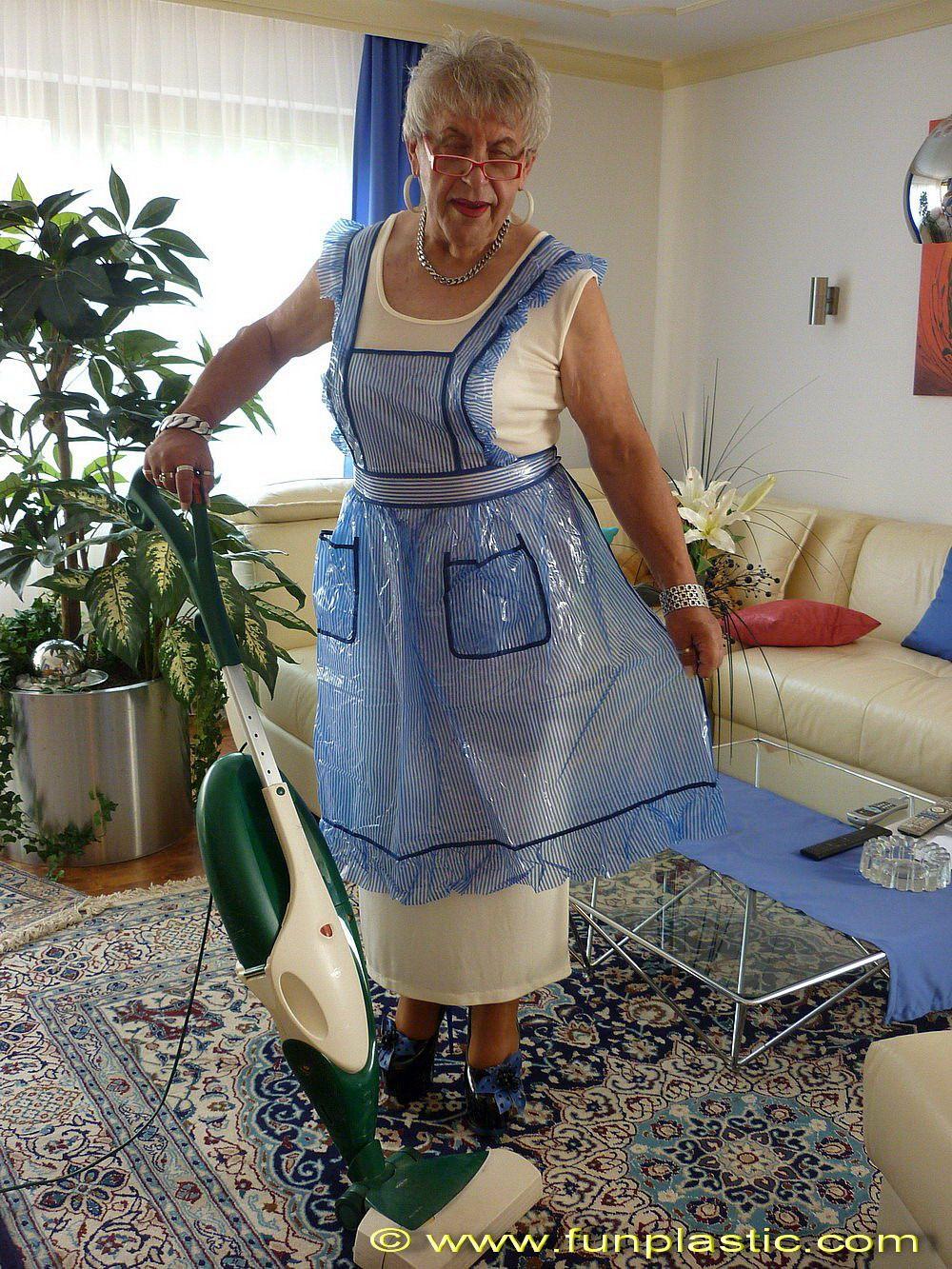fun plastic apron | Omas-Schürze / Grandmas Apron