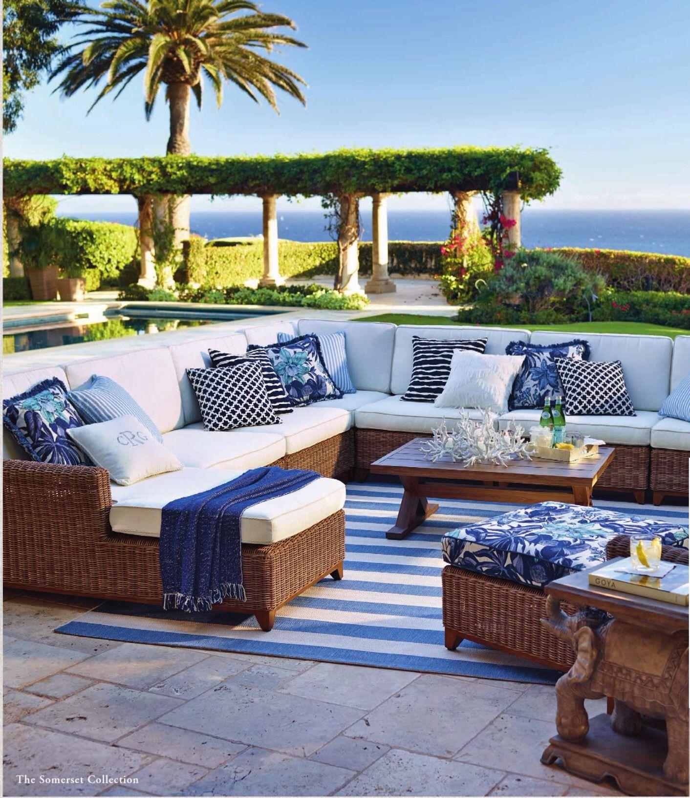 Un #décor de bord de #mer pour cette #terrasse ! #bleu #blanc ...