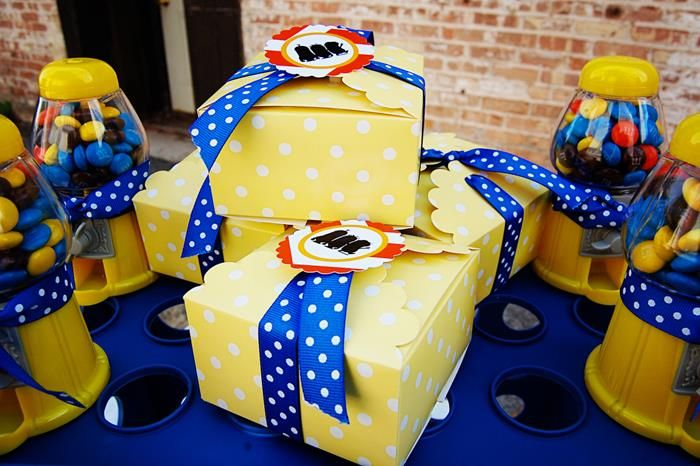 Despicable Me Party Ideas Part - 28: Despicable Me Minion Girl Play Date Party Planning Ideas Decorations
