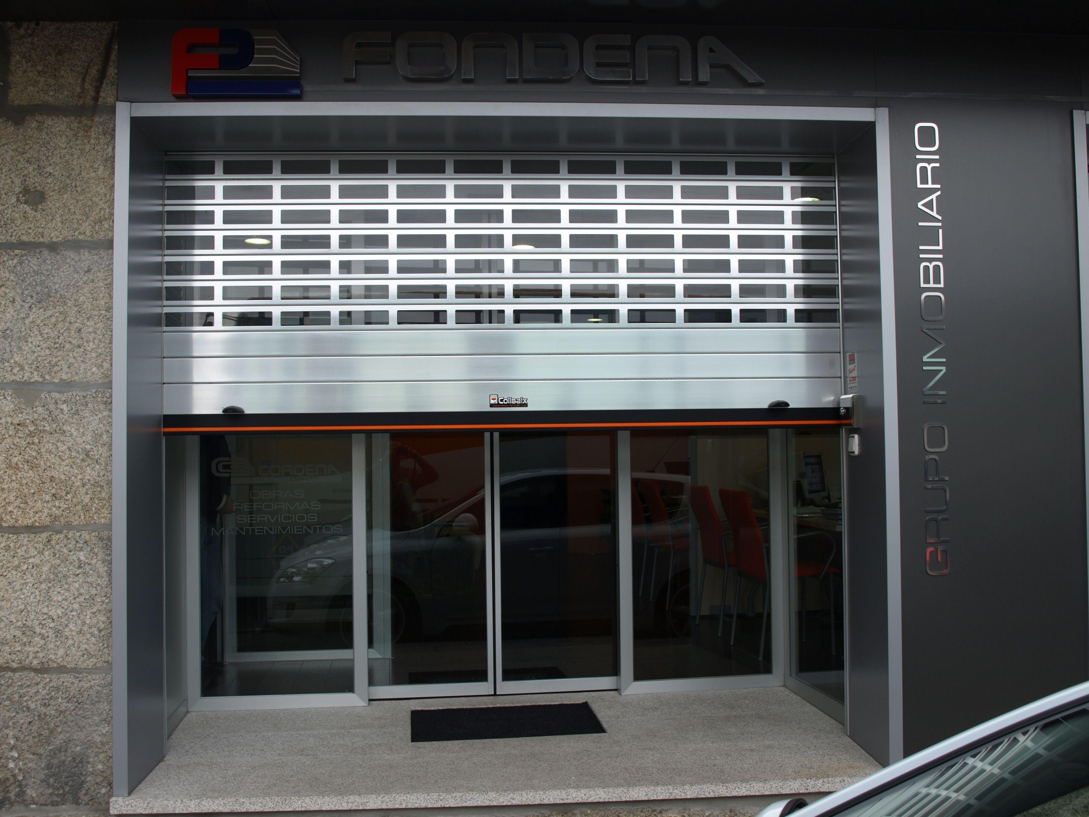 Puerta enrollable collbaix para comercio modelo sat n for Puertas enrollables