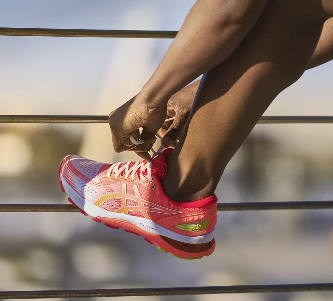Ready para retomar tu rutina? 😉⠀ ⠀ Recupera tu ritmo de entreno con tus nuevas @asics Nimbus 👟 ⠀ .⠀...