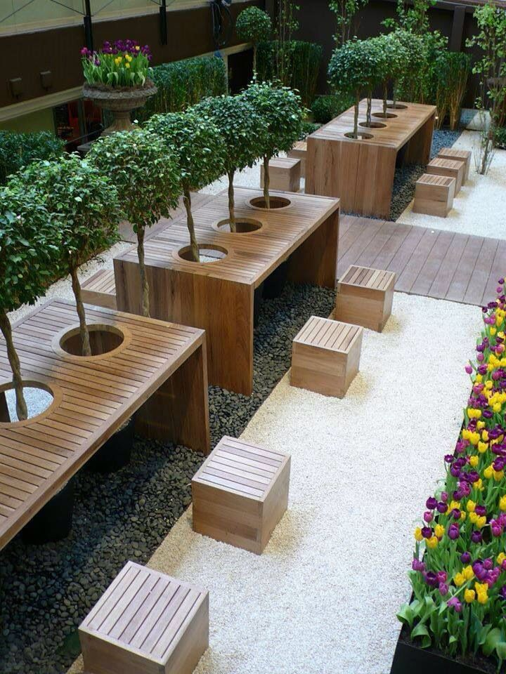 Exterior timber stools and tables #cafe #seating GARDEN - diseo de exteriores
