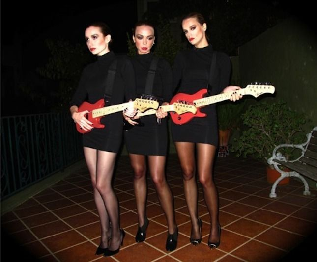 63c2d68753e9 23 of the Best '80s Costumes You Haven't Seen Before via Brit + Co. - kind  of love the Addicted to Love one