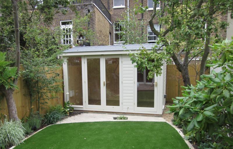 Charmant 2.4 X 3.6m Bespoke Burnham Garden Studio