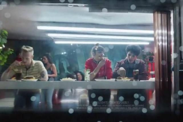"""RT [advertising]: Party animals """"iIluminated by a thousand likes"""" star in Bacardi's latest https://t.co/Gdr6ARZsAz https://t.co/2ETkfFjsm0"""