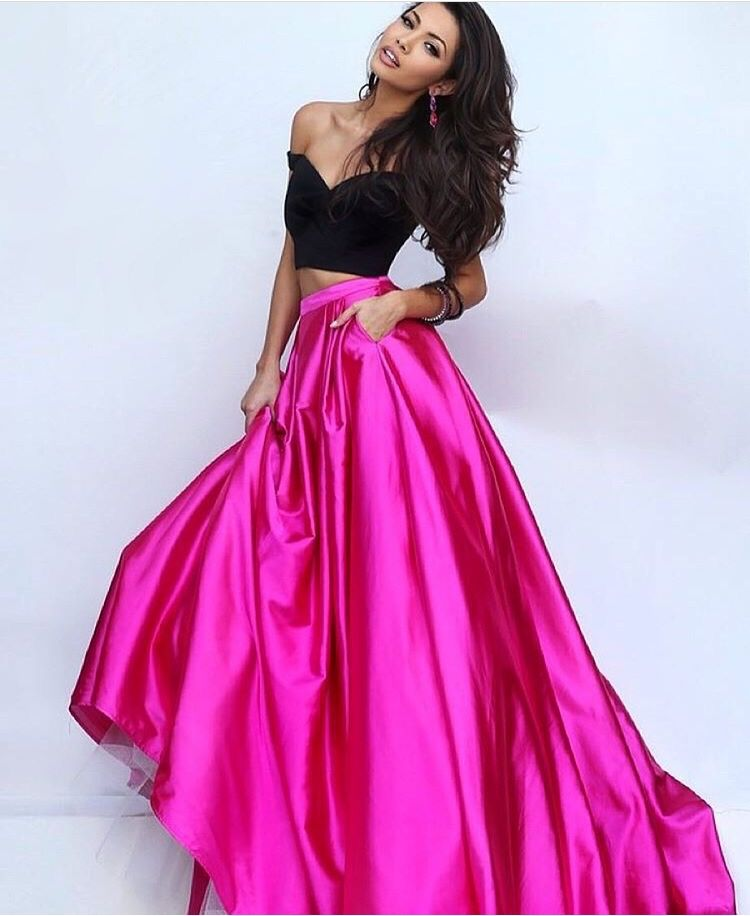 Pin de Lexie Tourville en Crowns and Gowns | Pinterest | Vestido de ...