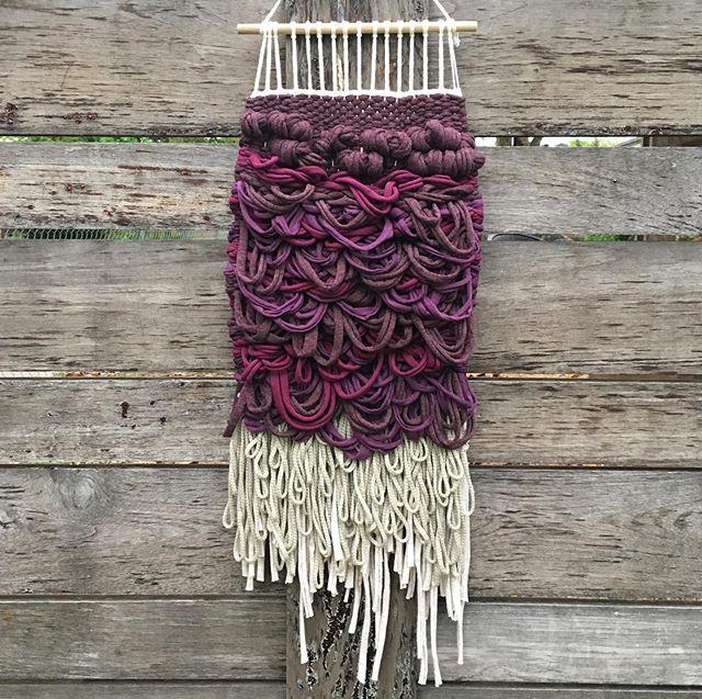 sarairaven #weaving#textiles#purple#monochrome#okcart#wallhanging#weaversofinstagram#tshirtyarn#textileart#oklahomaartist#ryaloops#woven#fiberart#handwoven#handmade#echoviewfibermill#textileartist#weavers#cottonyarn##lines#inspiredbynature#yarn#looms#wovenwallhanging#wovenwallart#colorgradient#shagweaving#ganxxet