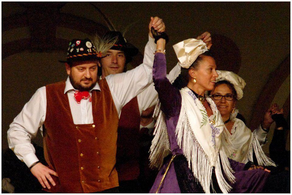gruppo folkloristico di Viù- abiti tradizionali viucesi