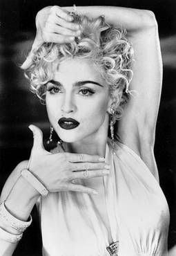 Madonna - Vogue video directed by David Fincher