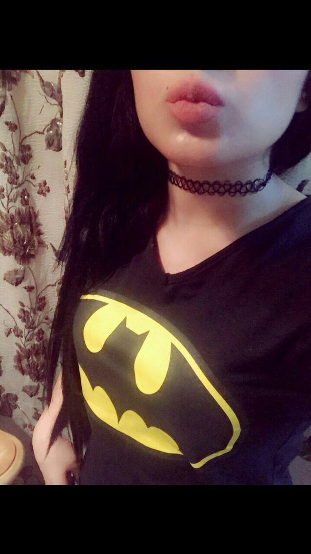 Pin By ملكة الاحساس On رمزيات بنات Chokers Choker Necklace Superhero Logos